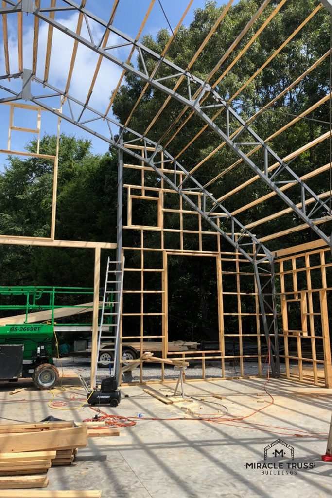 Engineered Trusses Bolt Together for a Gambrel Roof