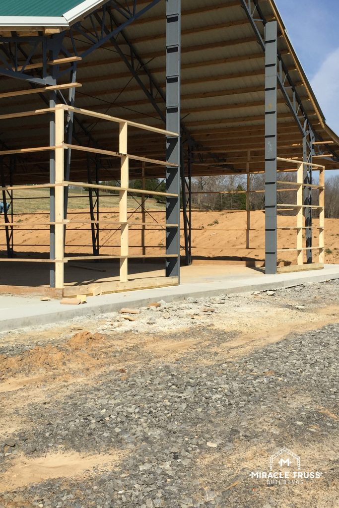 Our Metal Building Kits offer Side Headers and transfer beams for large sidewall openings.